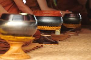 Alms Bowls at Wat Ratanawan
