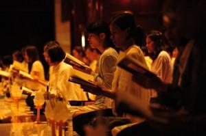 Lay Women Chanting at Wat Ratanawan